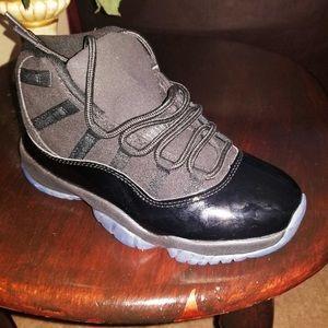 Jordan Retro 11 + Retro 9 Size 8.5 for all